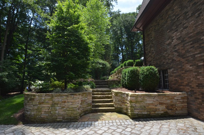 Well Maintained Landscaping and Hardscaping
