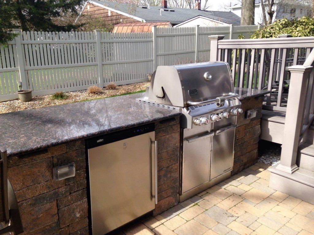outdoor kitchen and bar brick front tode landscape. Black Bedroom Furniture Sets. Home Design Ideas